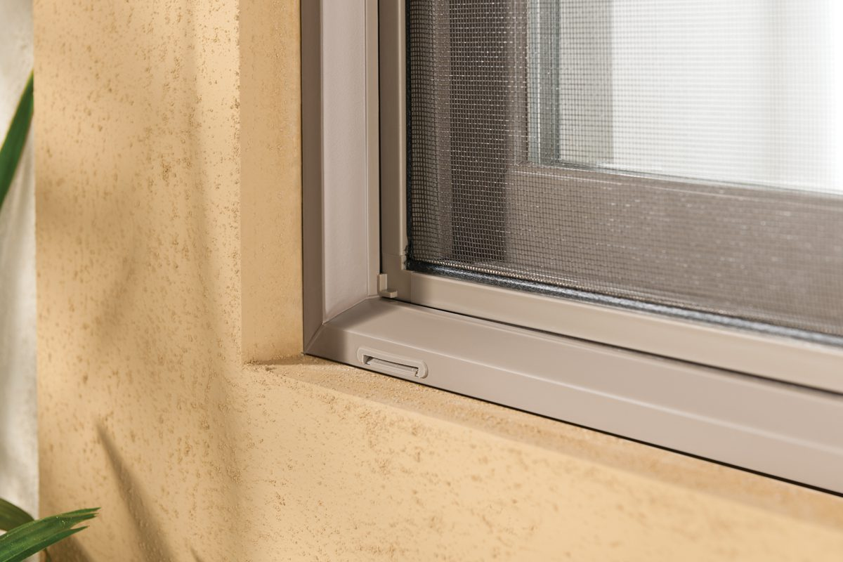 milgard-window-screen-photo